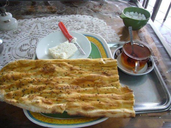 4043206-Simple_breakfast_Zanjan