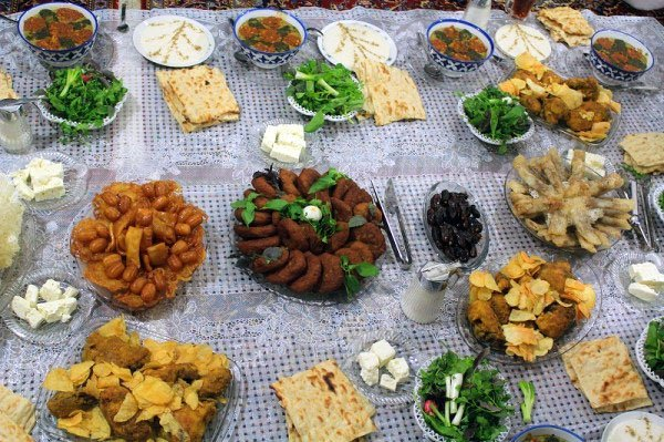 Iftar-table-in-north-Iran
