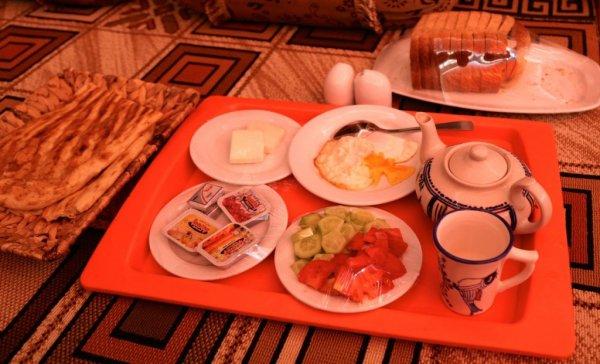 typical-breakfast